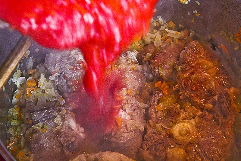 coda alla vaccinara pomodoro in pentola