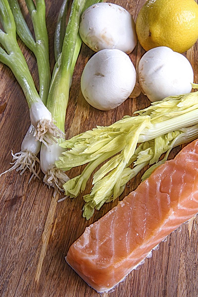 tartare di salmone e funghi: ingredienti principali